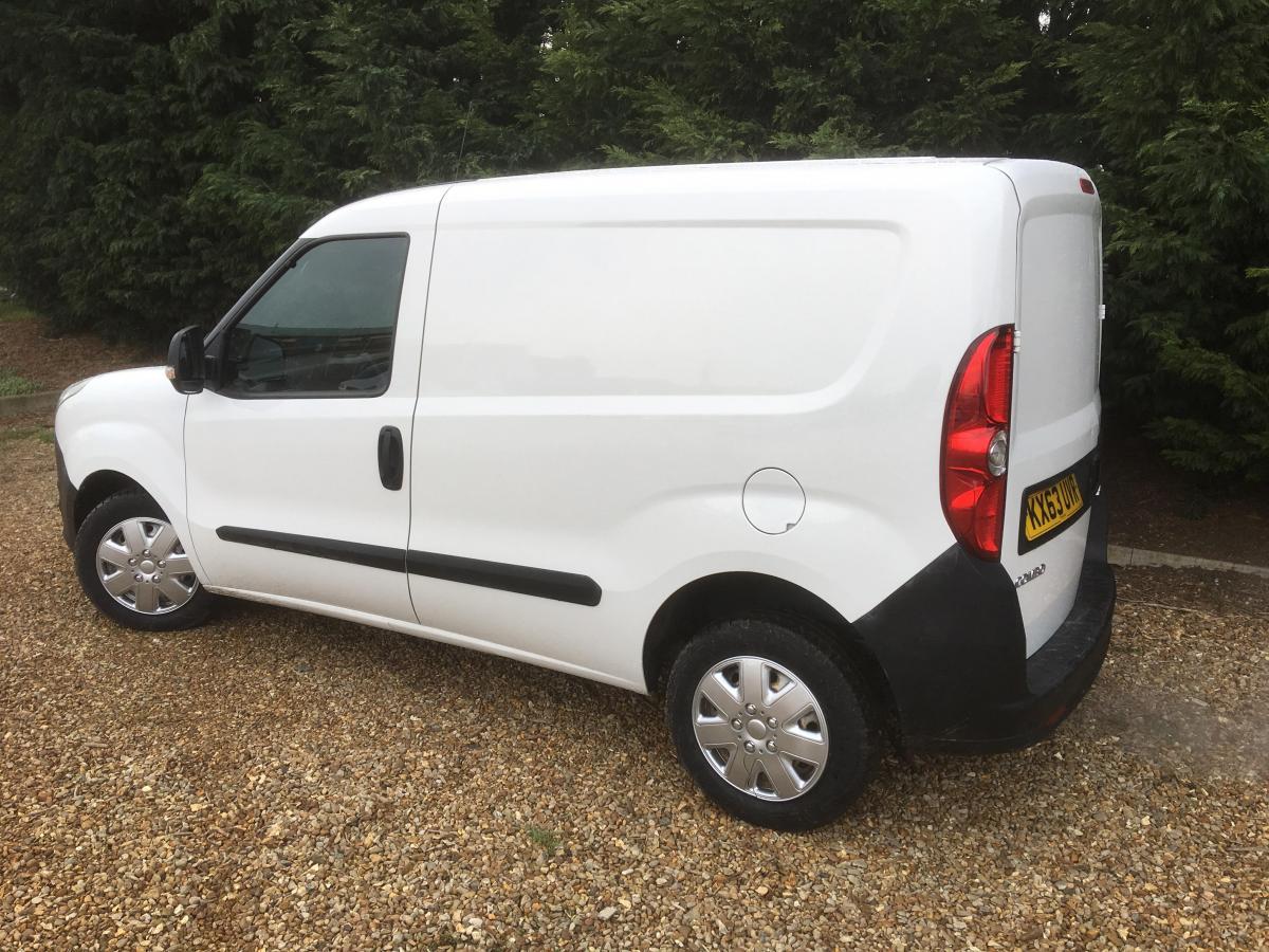 Vauxhall Combo 2000 L1h1 Cdti panel van (integral) - 2013 - £3,299